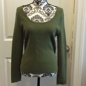 NWOT. Ladies long sleeve rounded neck sweater